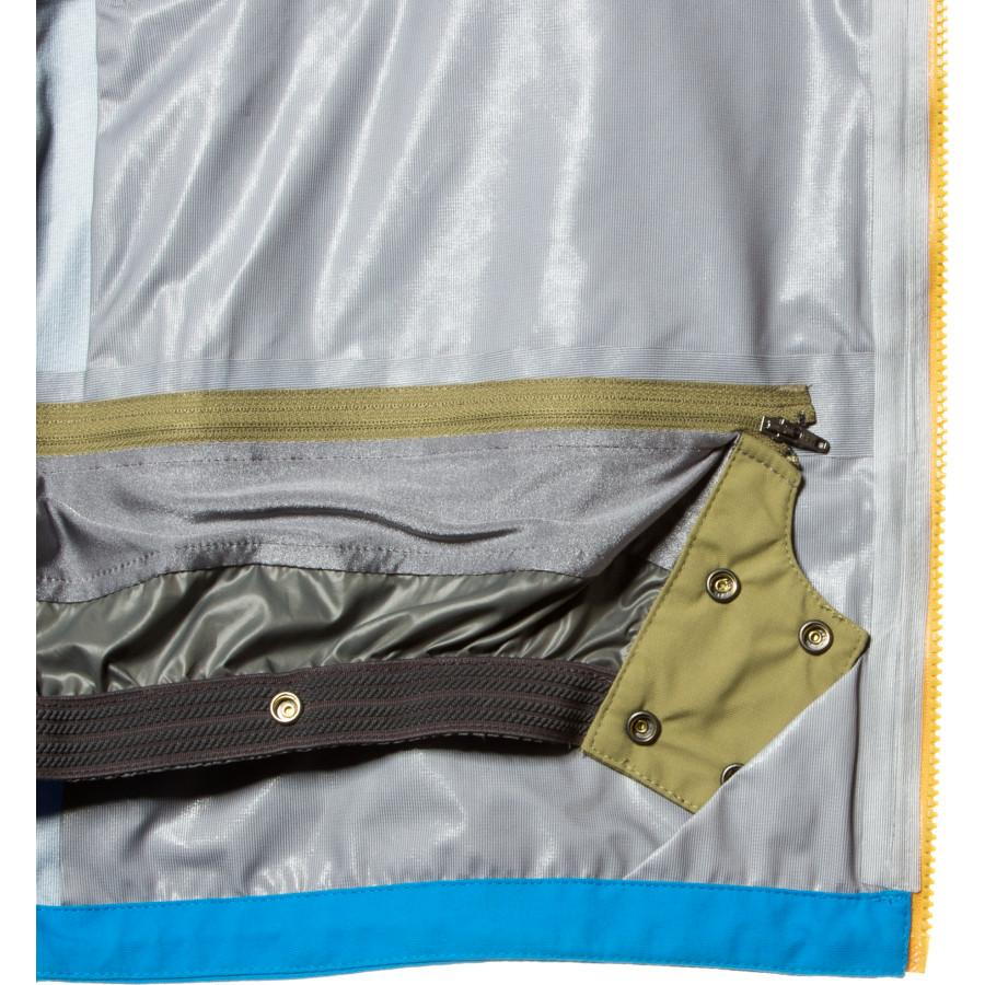 The FlyLow Gear Quantum Pro Jacket at Bill and Paul's